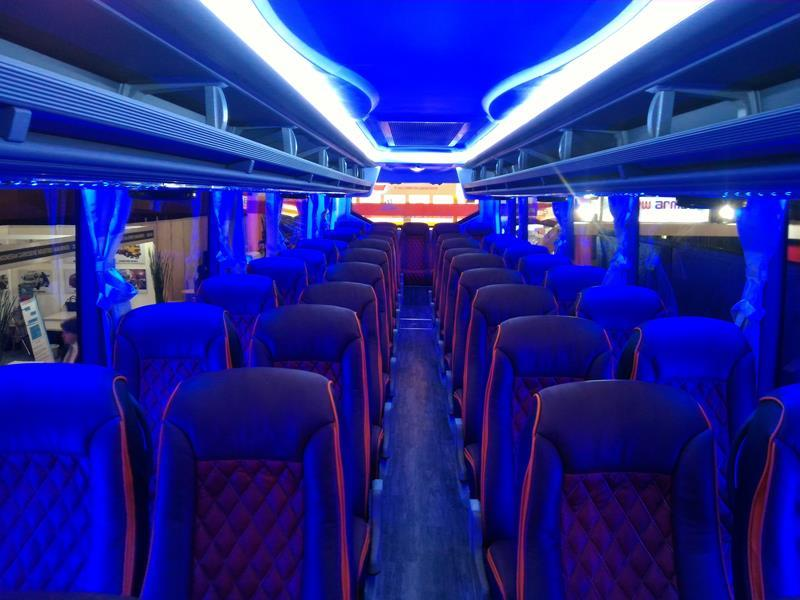 interior-bus-super-high-deck